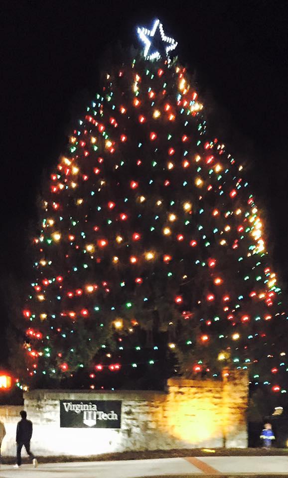 Christmas Parade Blacksburg tree